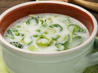 Polévky s vůní česneku a cibule