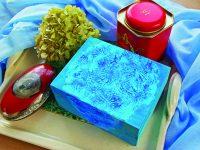 Krabička zdobená plastickým vzorem