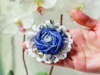 Květinové látkové brože