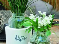 Svícen a váza, které vítr nepřevrátí