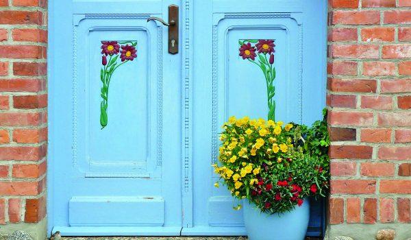 Dveře a zápraží jsou vizitkou domu
