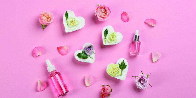 Květinová mýdlová srdíčka