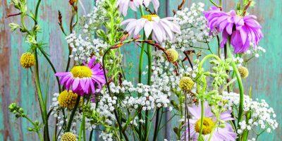 Květinové aranžmá v bedýnce