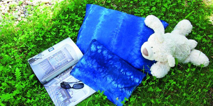 Polštáře s věnečkovou batikou